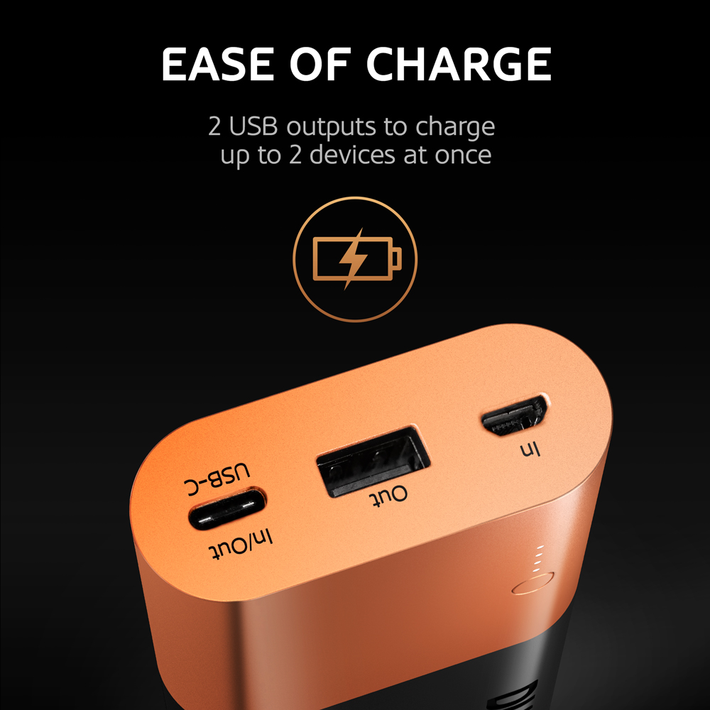 2 USB outputs to charge easily up to 2 devices at ones